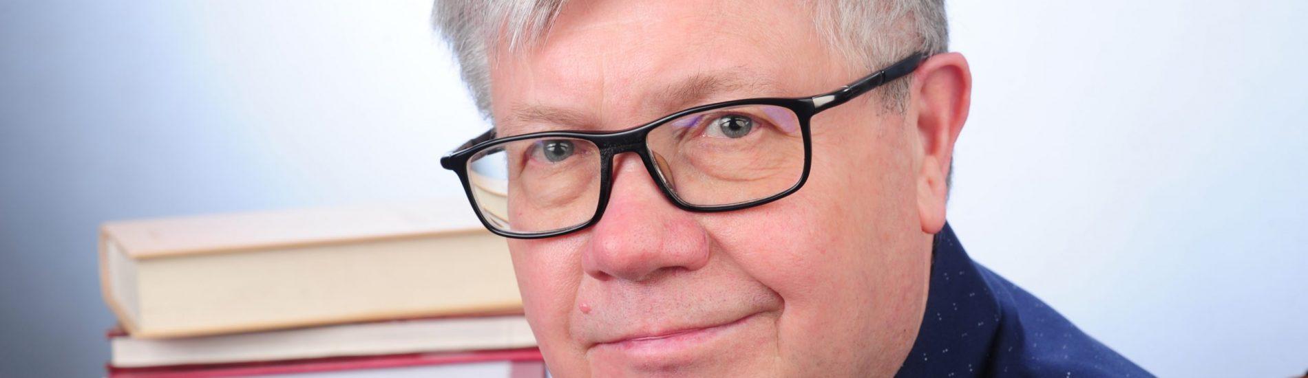 Najważniejsze jest stawianie pytań – rozmowa z ks. prof. Alfredem Wierzbickiem